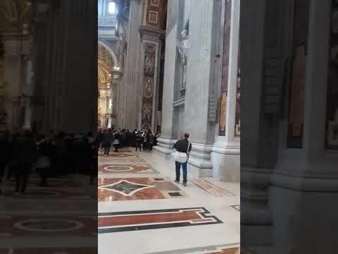 Visitando a Basílica de São Pedro - Vaticano