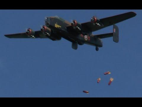 RC Halifax BOMB DROP (Tony Nijhuis)