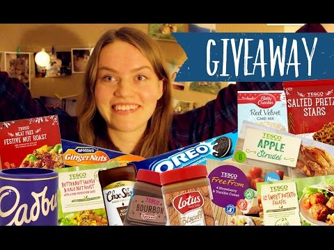 AN ACCIDENTALLY VEGAN CHRISTMAS: food haul + giveaway