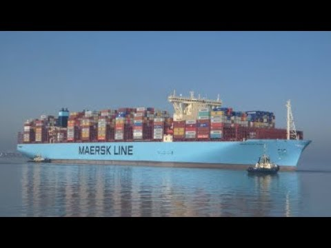 Maiden voyage Maastricht maersk arrives to the Port of Felixstowe, 3 tugs assist 24th February 2019