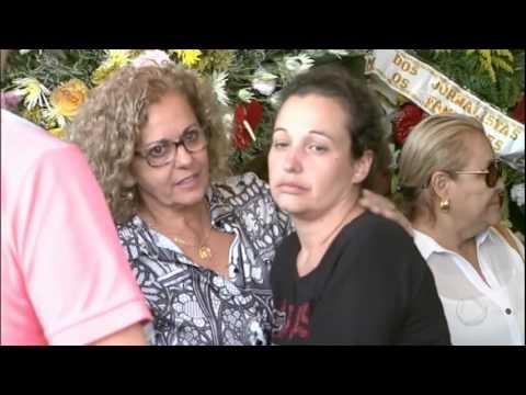 Mais Vítimas Do Acidente Aéreo Na Colômbia São Enterradas No Brasil Neste Domingo (4)