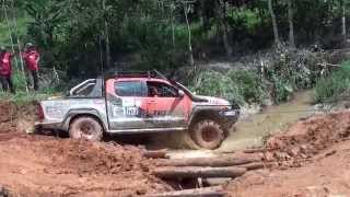 Toyota Hilux River Crossing 2013 4x4 ( MORExtreme ).Malaysia