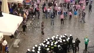 Драка хорватских болельщиков с полицией