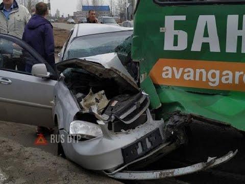 Видео ДТП с участием троллейбуса в Ярославле. Есть пострадавшие