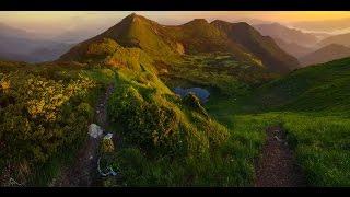 Смотреть видео Пеший поход в Карпатах
