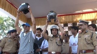 Akshay Kumar Flag Off Ride For Safety Helmet Awareness And Road Safety Rally