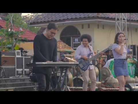 Charlie Puth - ATTENTION EDM Band live COVER by SODALOUNGE