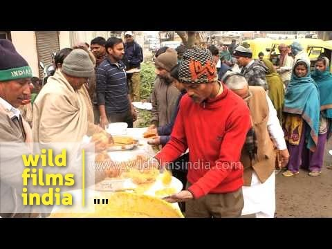Free food distribution on the streets of Delhi