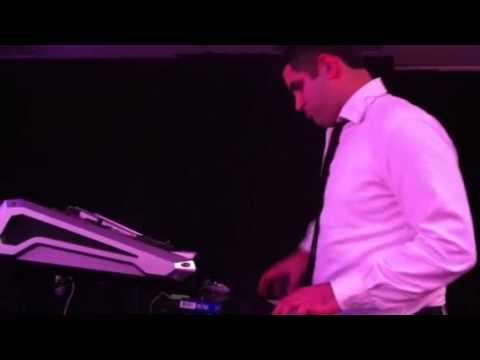אבי אילסון ודני אבידני ותזמורתו | מחרוזת להיטים 2012