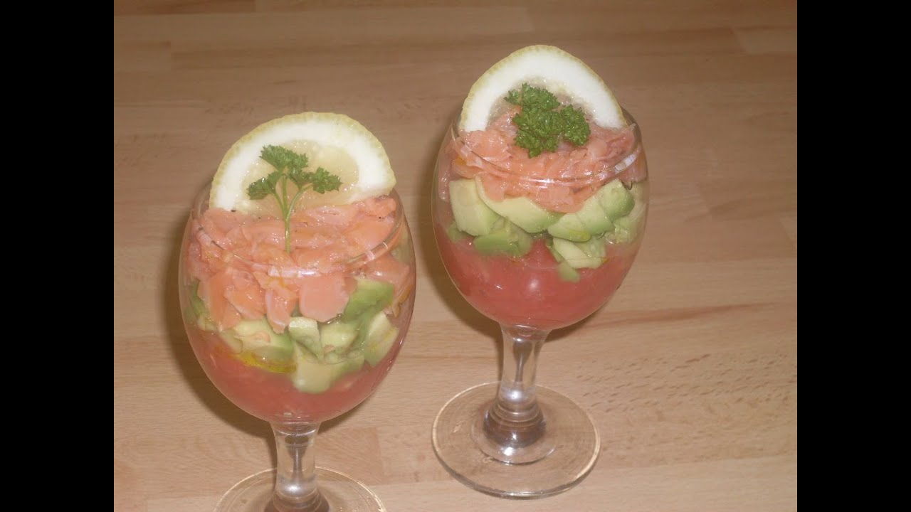 comment faire une salade tricolore pamplemousse avocat saumon youtube. Black Bedroom Furniture Sets. Home Design Ideas