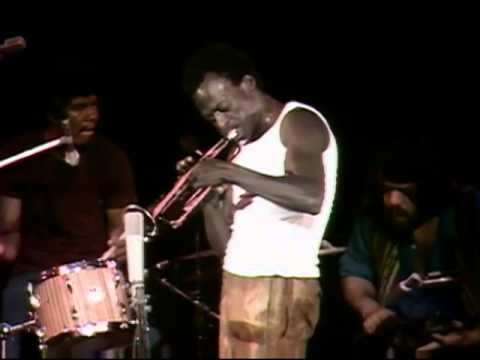 Miles Davis - Full Concert - 08/18/70 - Tanglewood (OFFICIAL)