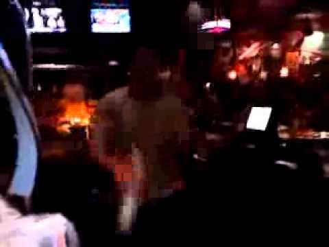 Cocktail 1988 movie- TGI Fridays Bartender juggling