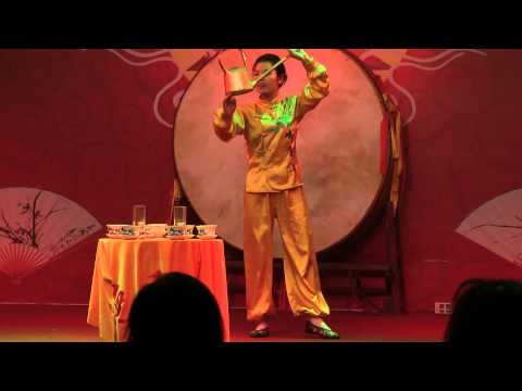 Chinese Tea-pouring performance in chengdu