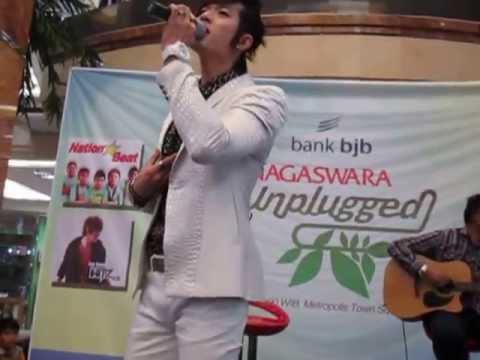 [Fancam] Lee Jeong Hoon HiTZ Acoustic @ NAGASWARA Unplugged Tangerang (130602)