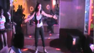 La Petite (Danseuse de Serge Beynaud) démontre la TCHOKORA