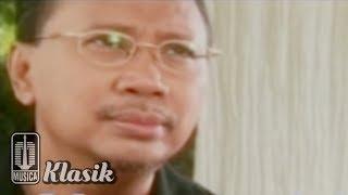 Ebiet G Ade - Tatkala Letih Menunggu (Official Karaoke Video)