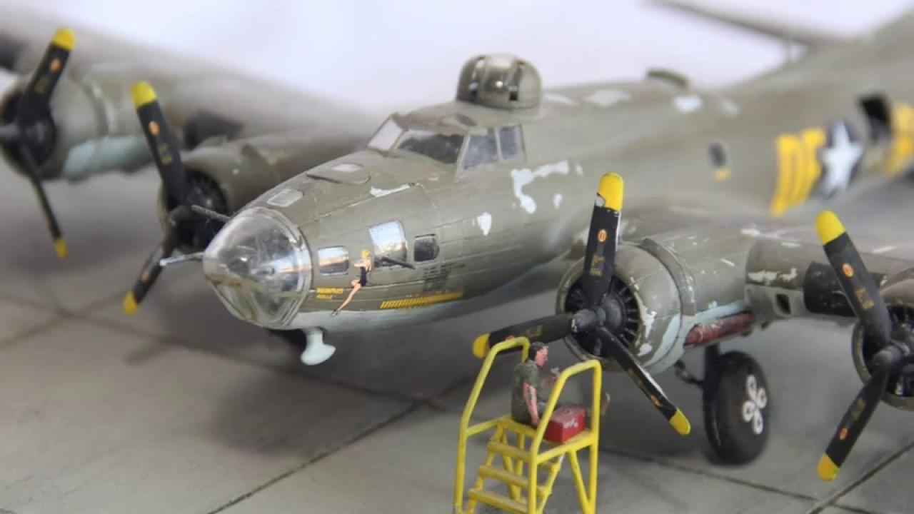 B-17 FLYING FORTRESS MEMPHIS BELLE COCKPIT 8X10 PHOTO