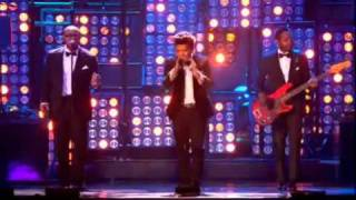 "BRUNO MARS -""Just the way you are"" (Brit Awards 2012) Live Performance"