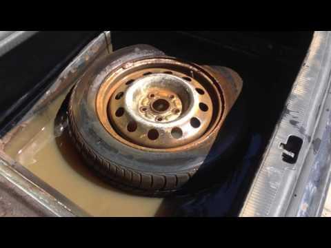 Audi 100 вода в багажнике