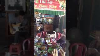 chu 10 hat loi ke dang trinh - Tan Phuoc dan guita