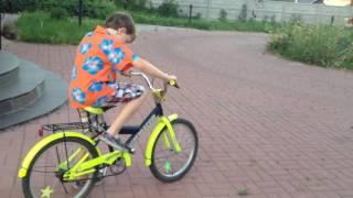 Как научится ездить на велосипеде.(Если вам понравилось видео не забывайте поставить Лайк и подписаться на канал., 2016-06-27T12:31:38.000Z)