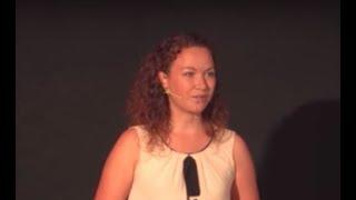 Kmečki pogovori in mamina solata | Petra Škarja | TEDxNovomesto Video