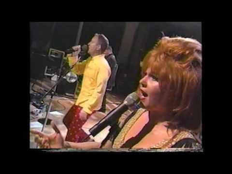 the-b-52's---quiche-lorraine-(live-1998)