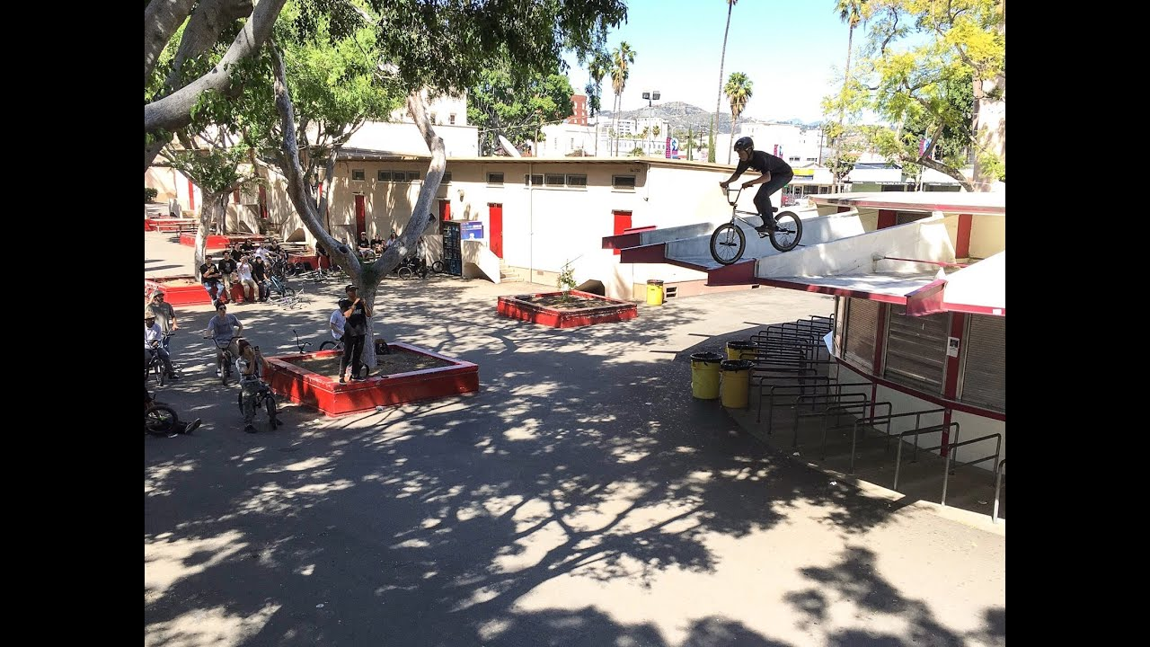15 YEAR OLD RIDES HIS BMX OFF THE ROOF - YouTube