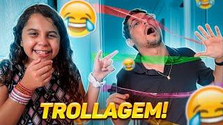 TROLEI O PAPAI COM FITAS COLORIDAS !!! OLHA A REAÇÃO DELE !!