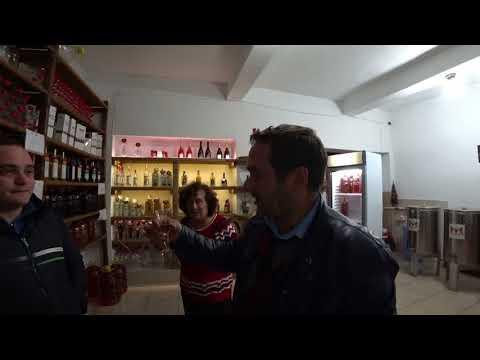 Винный магазин в Тбилиси. Цены на вино, чачу, коньяки. 1 лари - 23 рубля)))