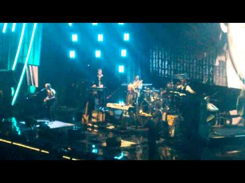 Rock & Roll Hall Of Fame - Hall & Oates - I Can't Go For That (No Can Do) 4-10-2014