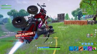 HEADSHOT INCROYABLE ET UN NOUVEAU BUG | Fortnite Battle Royale Clip