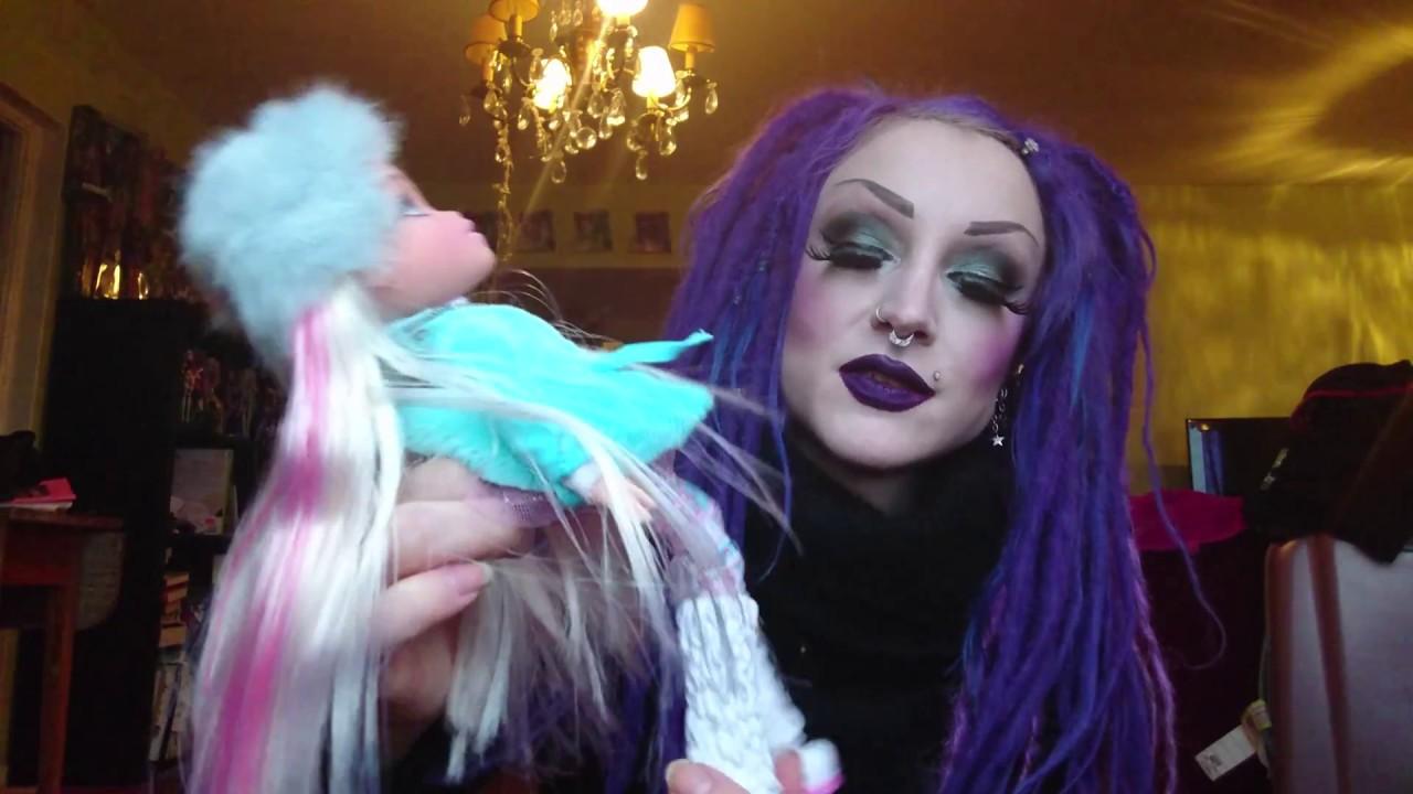 Bratz #SnowKissed Doll Cloe NEW