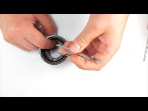 How to clean up Jupiter-9 lens. Aperture blades disassembling and assembling.