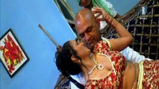 Hoth Lali Kharab Kari Pochh Ke - Bhojpuri Hot Song