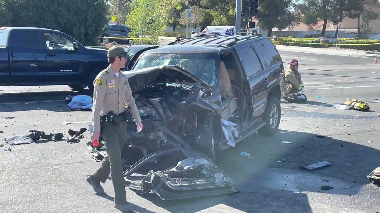 Download Multi vehicle injury crash on Amethyst and Luna Roads in Victorville #vvng