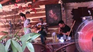 Khúc Thụy Du Guitar ngẫu hứng tại cafe Cõi Riêng mùng 3 tết