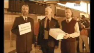 Repeat youtube video Stermann & Grissemann - Bergdeutscher Willkommensdienst