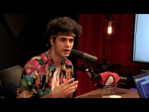 Ethan Bradberry Tries to Understand What Memes Are
