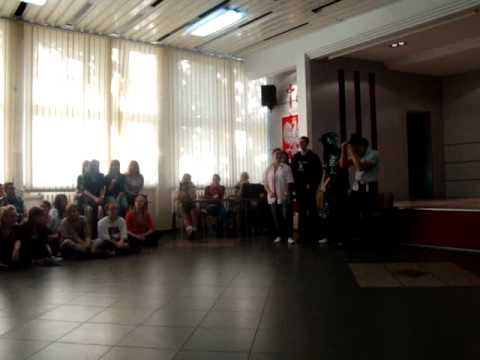 Pokaz Mody Klasy IIa - Www.ekonomik.bialystok.pl - Otrzęsiny 2011