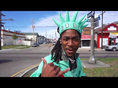 Watch New Orleans' number one traffic dancer, Nola5wag