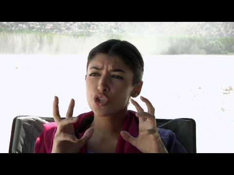 Hannah Simone † H+ † Interview! [HD]