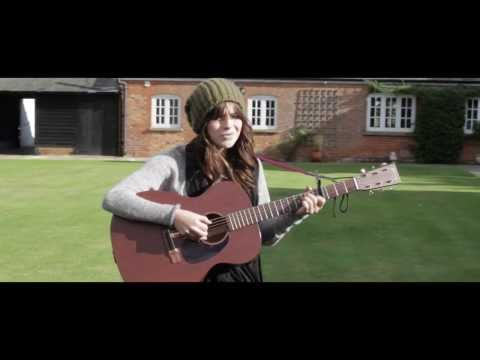 Gabrielle Aplin: Please Don't Say You Love Me (Acoustic)