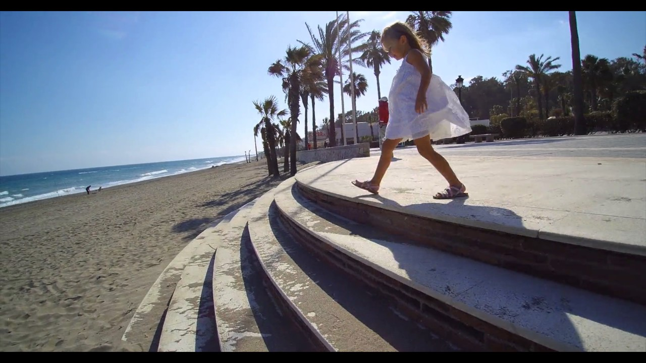 8ed92e4e50a Sandalias Niñas con Tiras Cruzadas y Efecto Nácar - YouTube