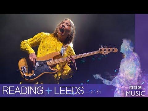 HAIM  Right Now Reading + Leeds 2017