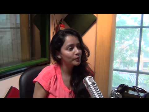 Adinath Kothare and Sulagna Panigrahi playing Mirchi Fortune Modak with RJ Rahul
