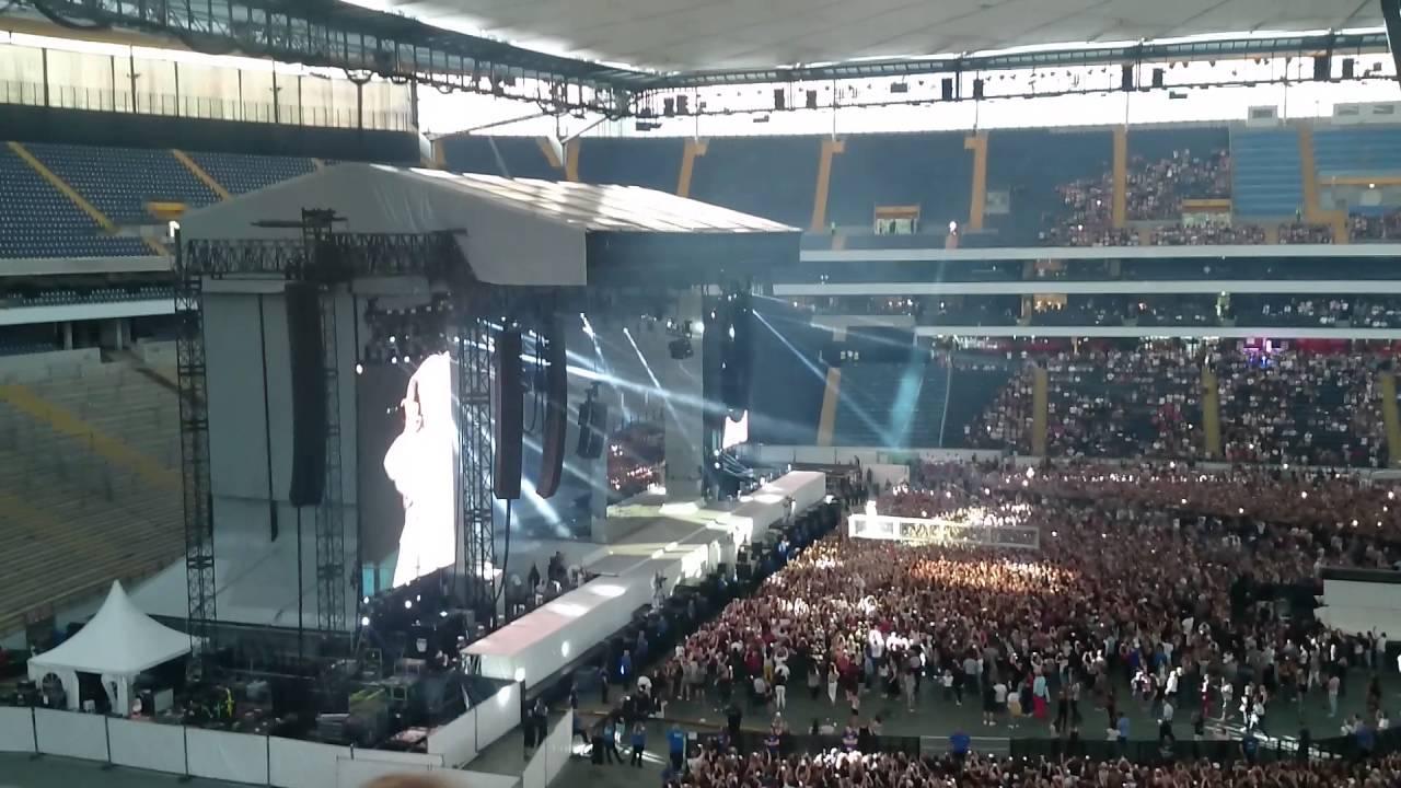 Rihanna Commerzbank Arena