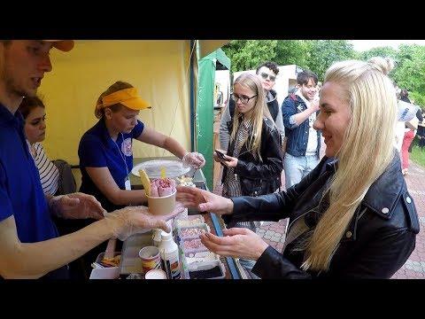 Minsk Street Food, Belarus. Thai Style Ice Cream Rolls