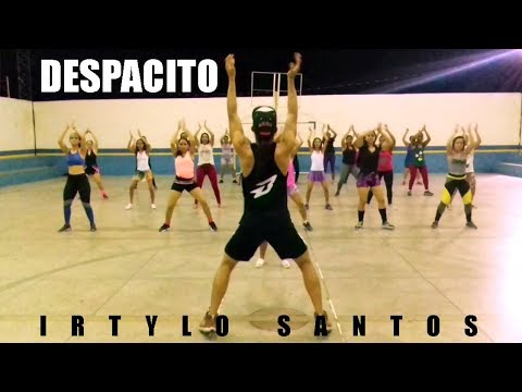 ZUMBA - Despacito | Luis Fonsi ft Daddy Yankee | Professor Irtylo Santos