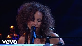 Смотреть клип Alicia Keys - Why Do I Feel So Sad